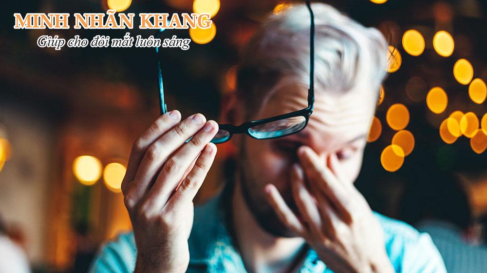 Mắt bị mờ đột ngột - Dấu hiệu nguy hiểm cần cẩn trọng để tránh mù lòa